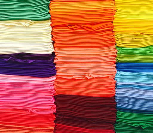 Separa las prendas por colores