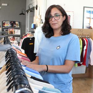 Marina nos asesora sobre prendas y estampación